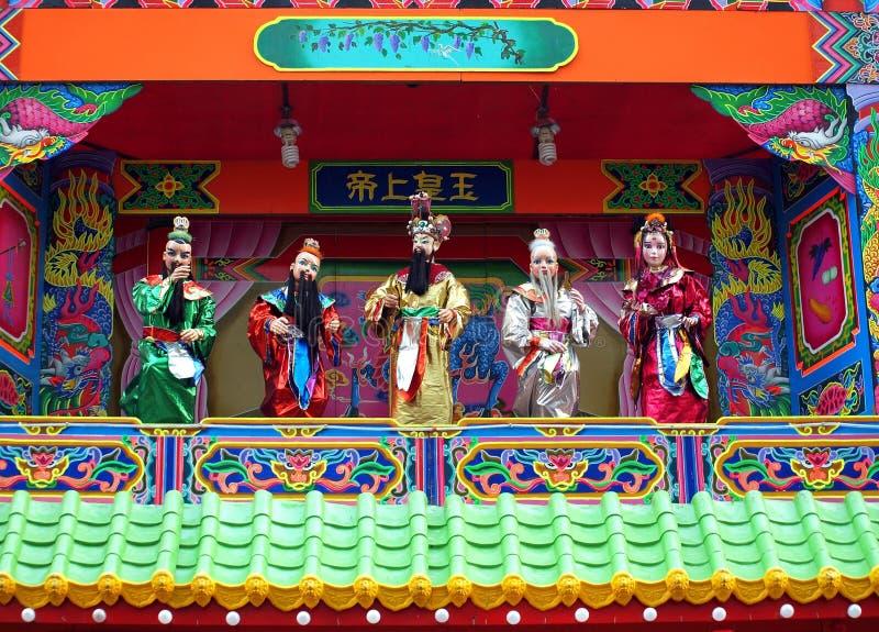 Fantoches tradicionais em um templo chinês fotografia de stock