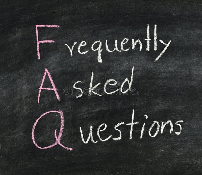 FAQ no quadro-negro. foto de stock