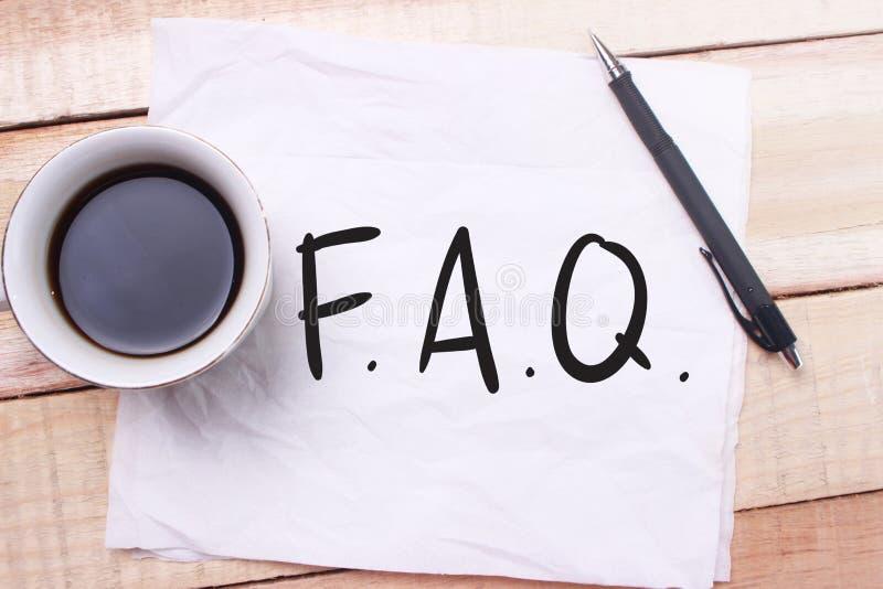 FAQ, stelde vaak Vragen Het Concept van de woordentypografie royalty-vrije stock foto's