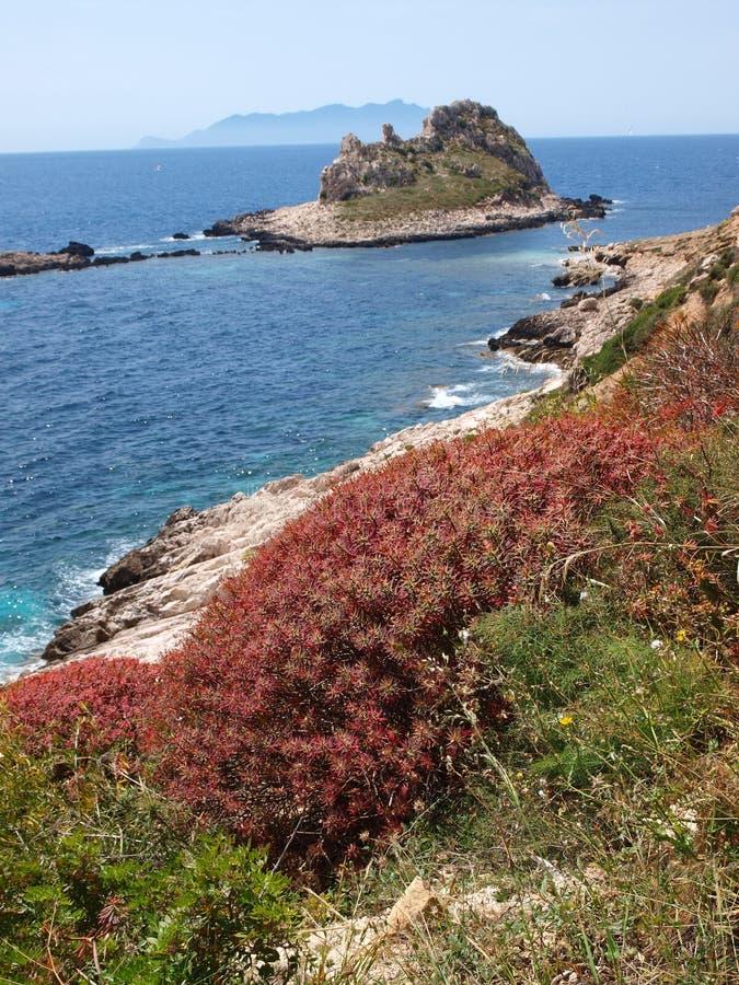 Faraglione, Insel von Levanzo, Sizilien, Italien lizenzfreie stockbilder