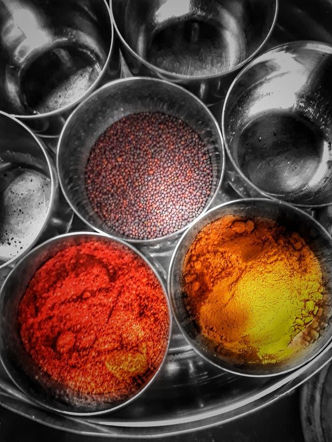 Farbe der Gewürze lizenzfreie stockfotografie