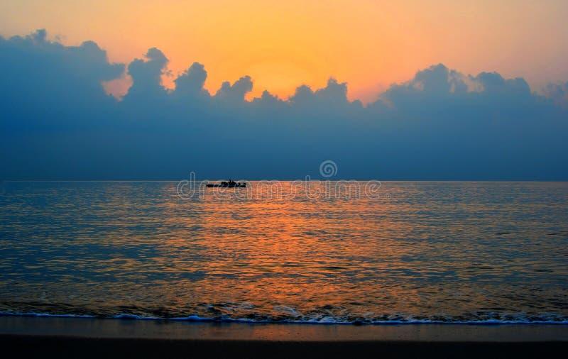 Farben des Sonnenaufgangs lizenzfreie stockfotografie