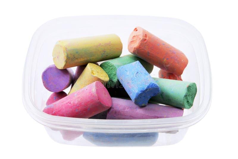 Farben-Kreiden im Kasten stockbild