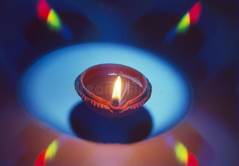 Farbenfrohe Diwali-Lampe für Diwali- und Dushera-Festivals lizenzfreies stockfoto