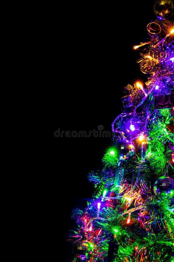 Farbige Dekoration des Weihnachtsbaums lizenzfreie stockfotos