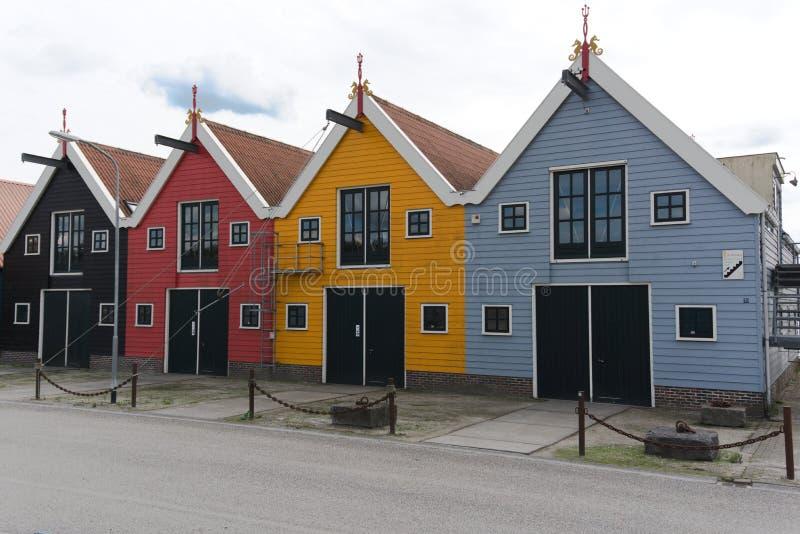 Farbige Häuser, die Niederlande - Zoutkamp stockfotografie