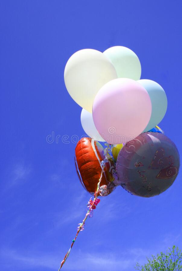 Farbige 'Ich liebe dich' Balloons stockbilder