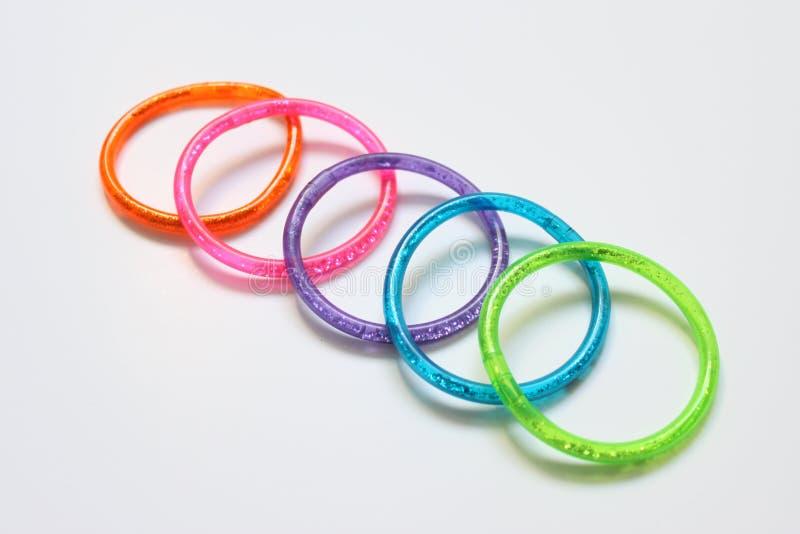 Farbige Ringe stockbild. Bild von aufgerundet, pink, kreis - 10729003