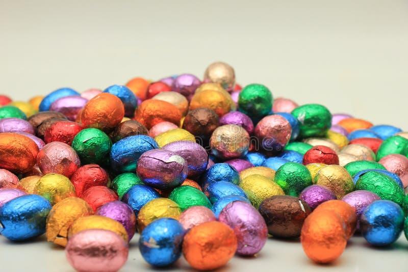 Farbige SchokoladenOstereier stockbild