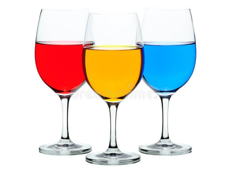 Farbige Weingläser stockfoto