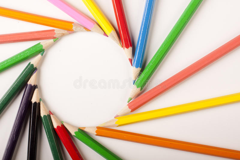 Farbiger Bleistift-Auszug! Kreis stockbilder