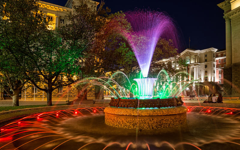 Farbiger Brunnen in Sofia, Bulgarien stockfoto