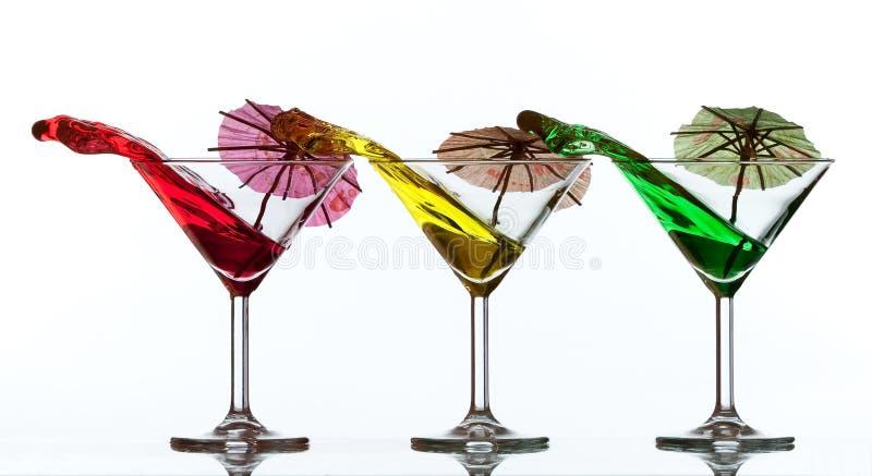 Farbiges Cocktailspritzen lizenzfreie stockfotos