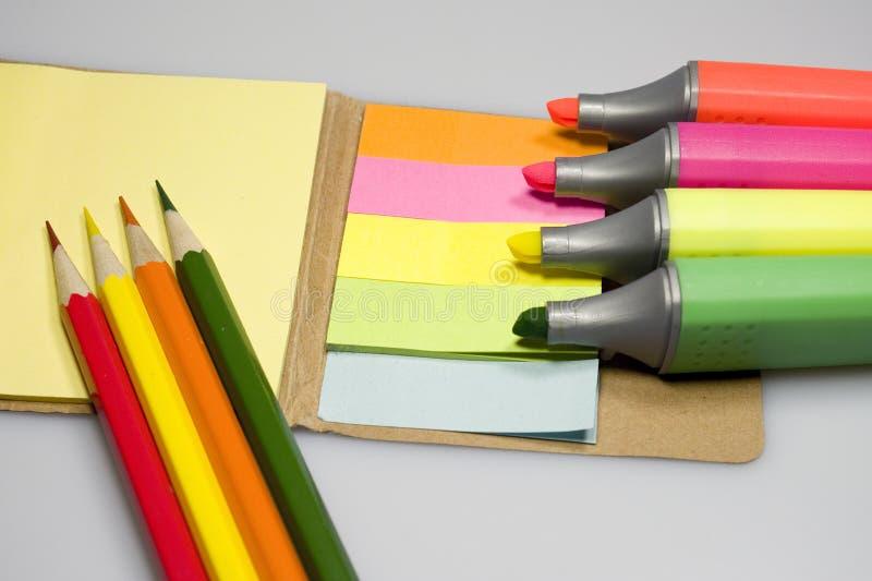 Farbmarkierungspapiere lizenzfreie stockbilder