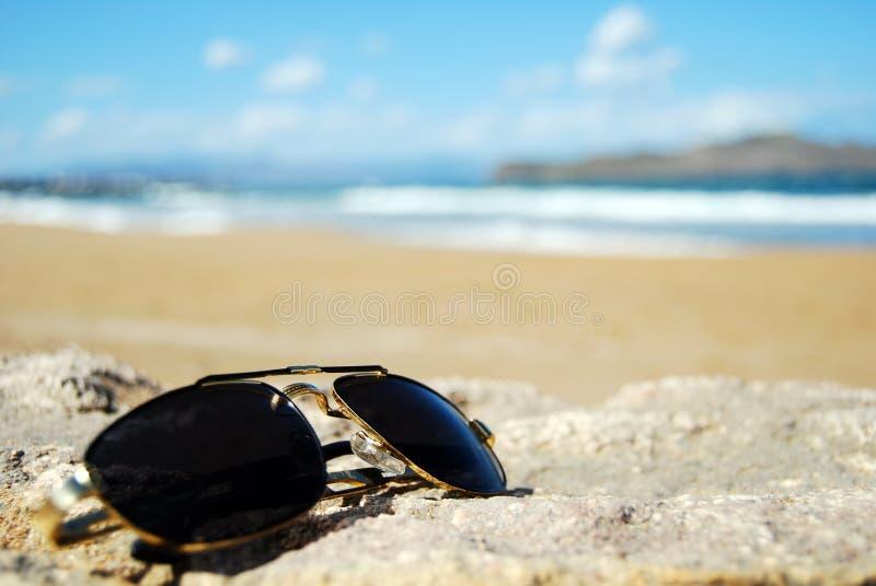 Farbtöne auf Strand lizenzfreie stockfotos