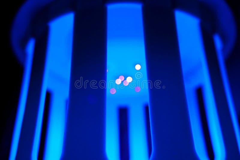 Farbzusammenfassung verwischte blaue Hintergründe, die bokeh Beleuchtung führte lizenzfreie stockfotografie