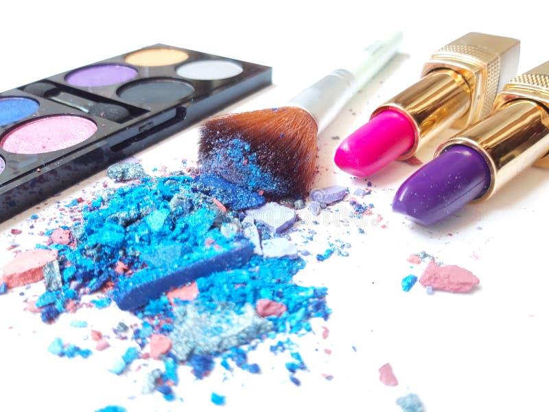 Fard à paupières écrasé par maquillage bleu photographie stock