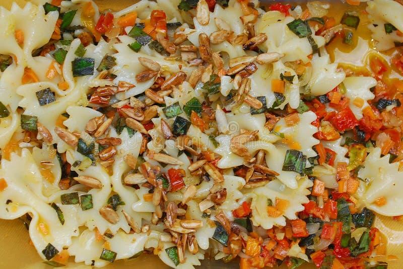 farfalle makaronu sałatka sia sezamu zdjęcia royalty free