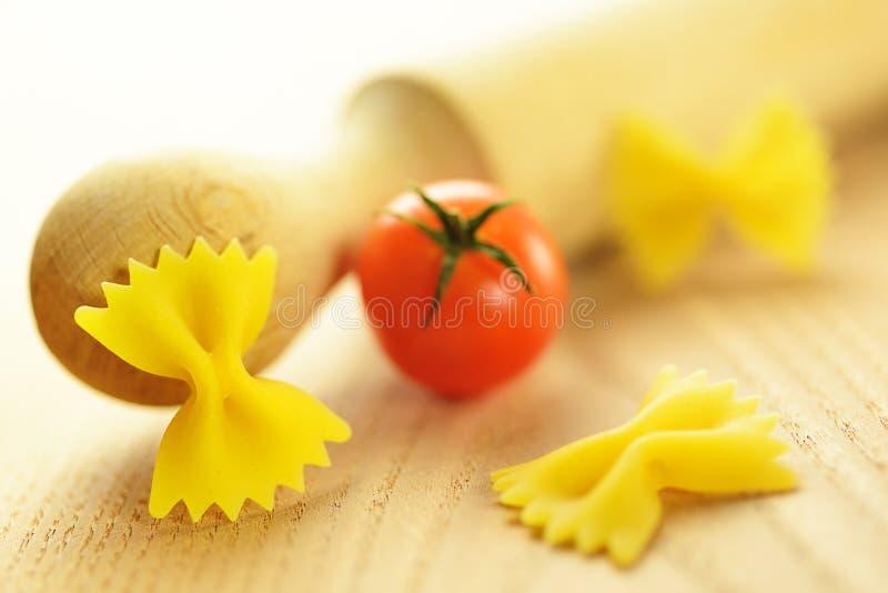 Download Farfalle, Włoski Surowy Makaron Zdjęcie Stock - Obraz złożonej z nikt, dinner: 28974184