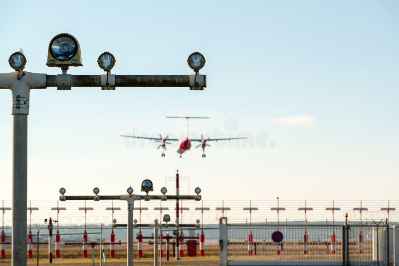 Fari di atterraggio dell'aeroporto immagini stock libere da diritti