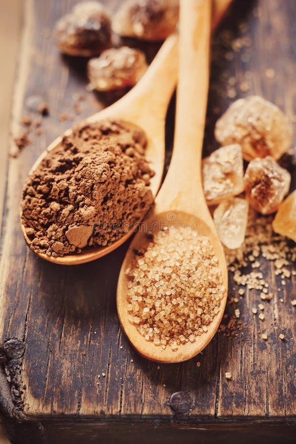 Farin- och kakaopulvercloseup arkivfoton
