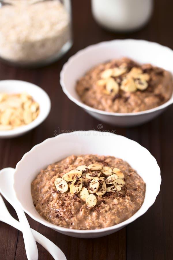 Farina d'avena del cioccolato o porridge dell'avena fotografia stock