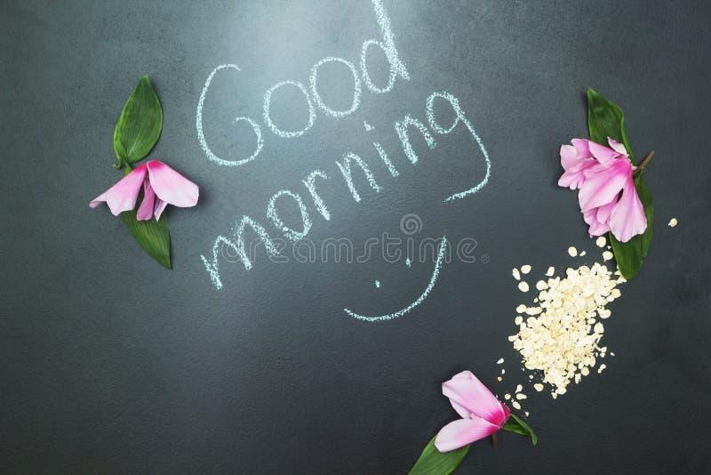 Farine d'avoine et fleurs roses, les mots illustration de vecteur