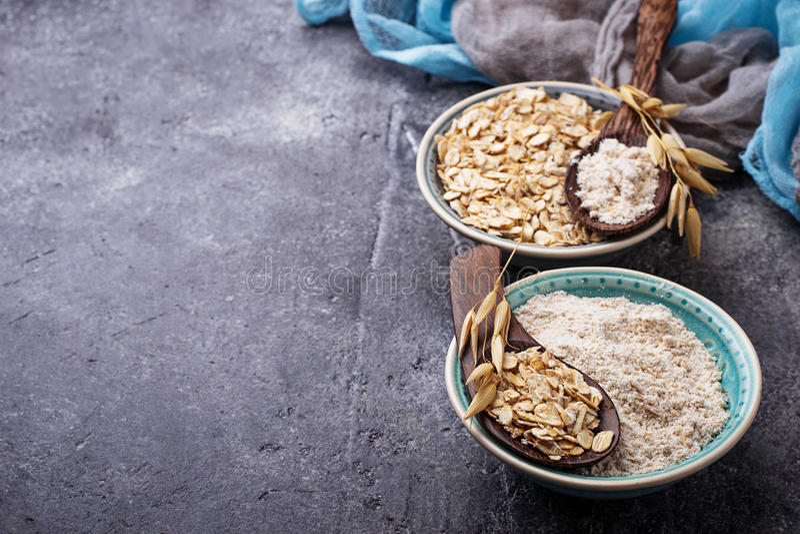 Farine gratuite d'avoine de gluten images stock