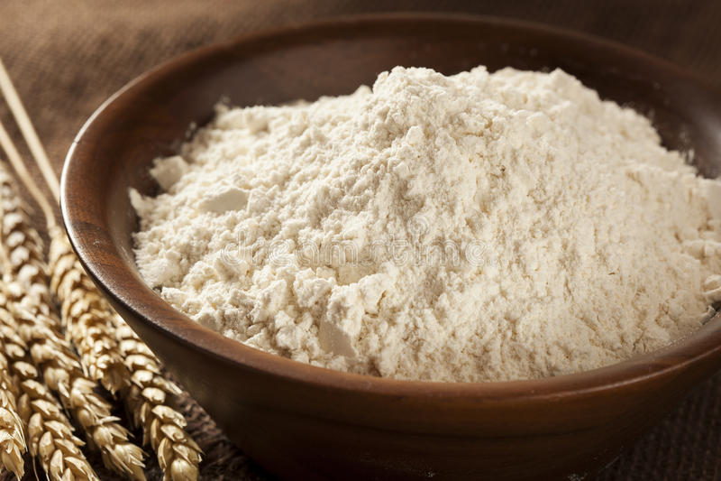 Farinha de trigo inteiro orgânica imagem de stock