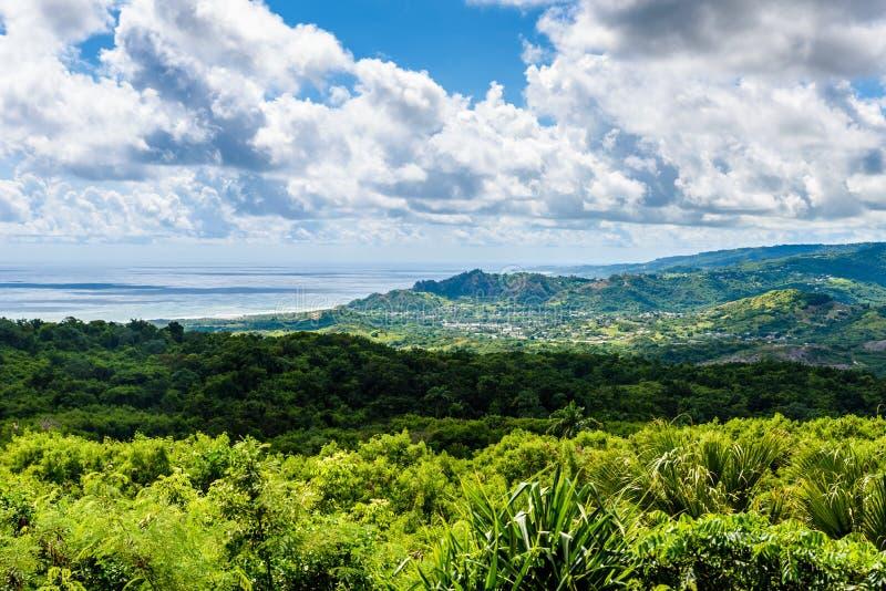 Farley Hill National Park sur l'?le des Cara?bes des Barbade C'est une destination de paradis avec une plage et un turquoiuse bla photographie stock