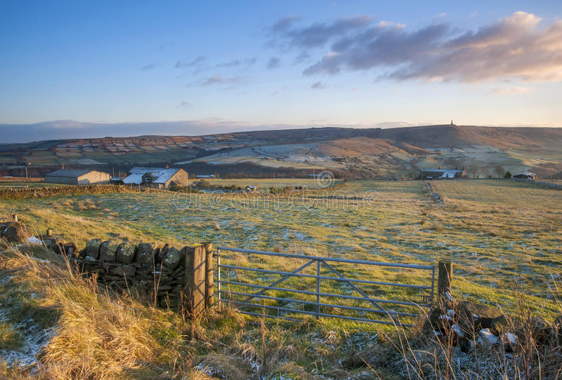 Download Farm Gate And Fields In Yorkshire In Winter Stock Photo - Image: 33415104