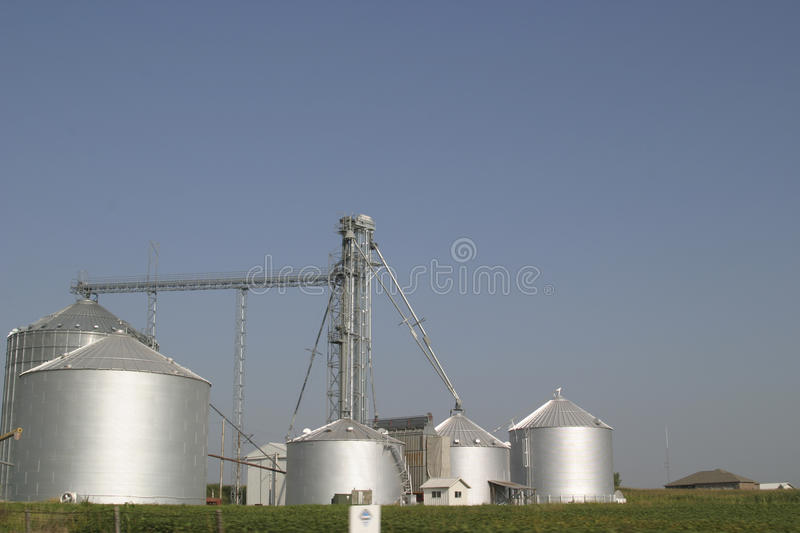 Download Farm Silos Royalty Free Stock Images - Image: 12105889