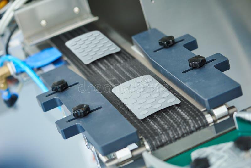 Farmaceutische de productietransportband van de tabletpil royalty-vrije stock afbeelding