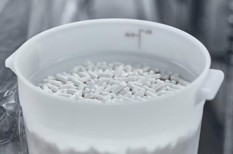 Farmaceutische nutraceutical het samenstellen verpakkende capsules stock afbeelding