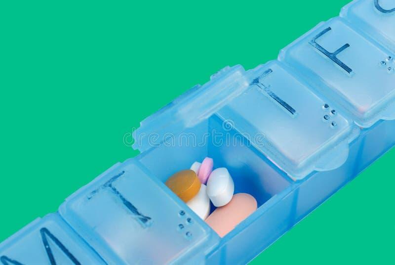 Farmaci da vendere su ricetta medica in casella della pillola fotografia stock libera da diritti