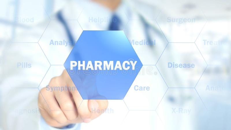 Farmacia, medico che lavora all'interfaccia olografica, grafici di moto fotografia stock libera da diritti