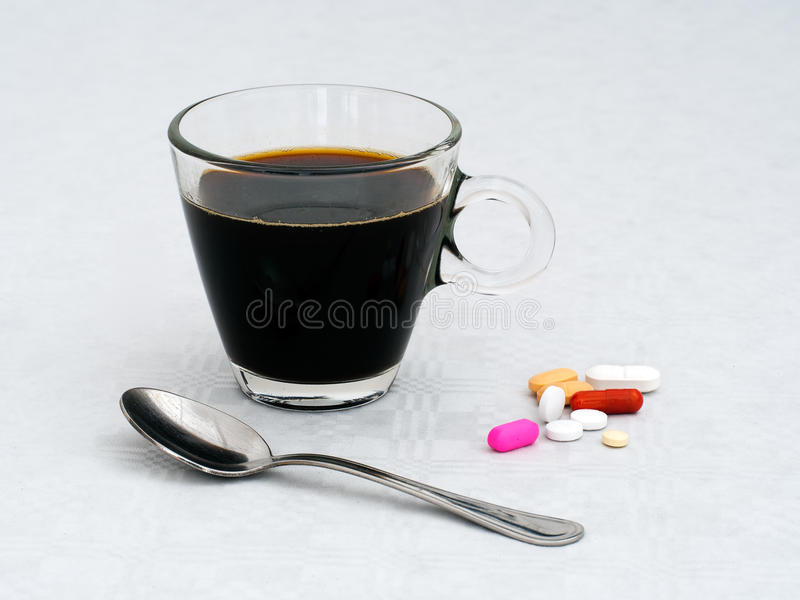 Farmaco della prima colazione di mattina, medicina Concetto di salute fotografie stock libere da diritti