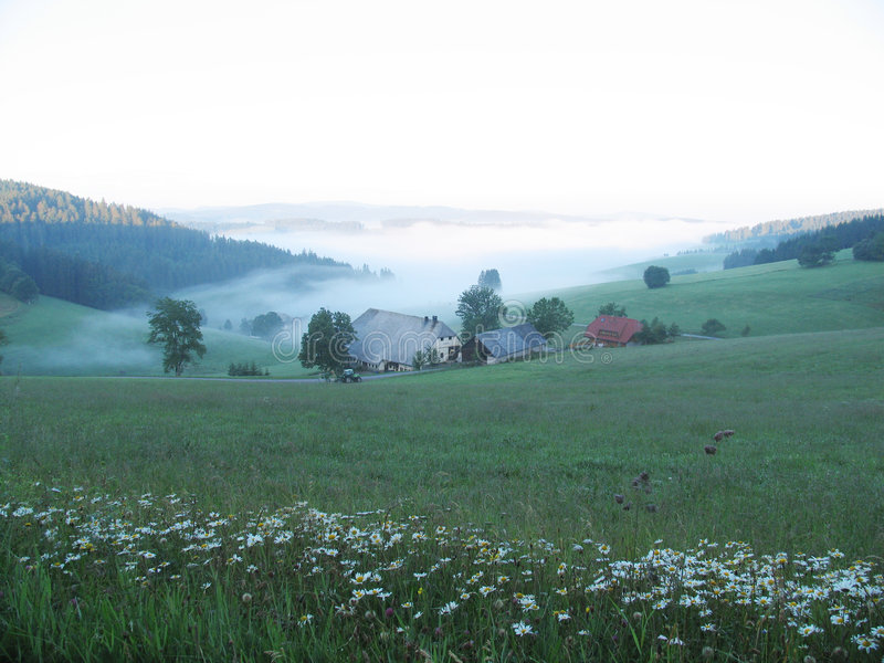Download Farmhouse Short Before The Sunrise Stock Image - Image of morning, wiese: 11921