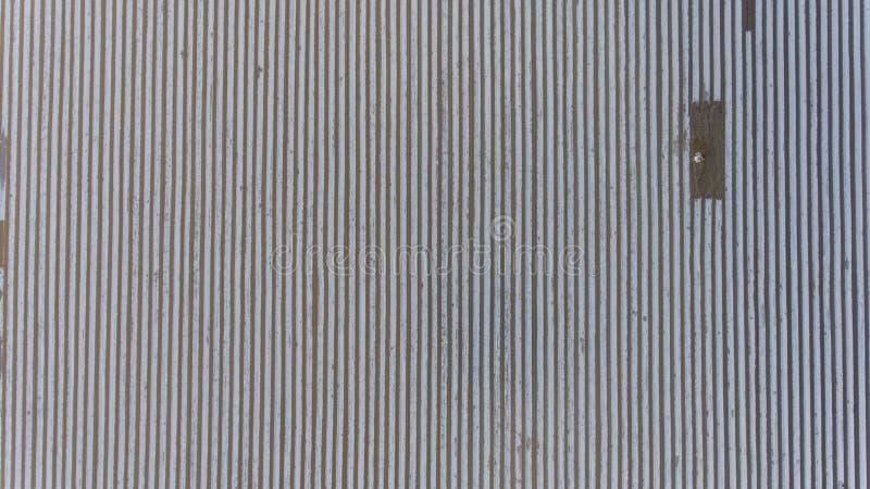 farming Filas de cubrir con pajote las hojas plásticas irlanda fotografía de archivo libre de regalías