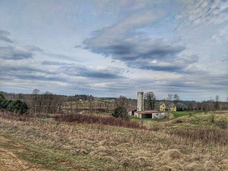 Farmscape i vår royaltyfria foton