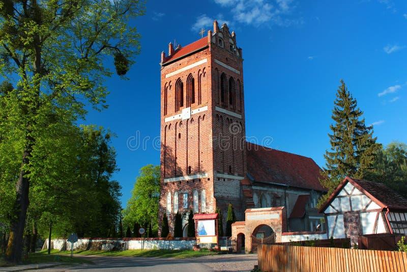 Farny kościół Chrystus królewiątko w Satoczno wiosce wśród Ketrzyn okręgu administracyjnego, Warmian-Masurian Voivodeship, północ obrazy stock