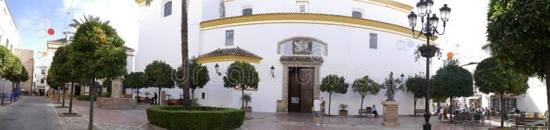Farny kościół w Eleganckim miasteczku Marbella na Costa Del Zol Hiszpania fotografia stock