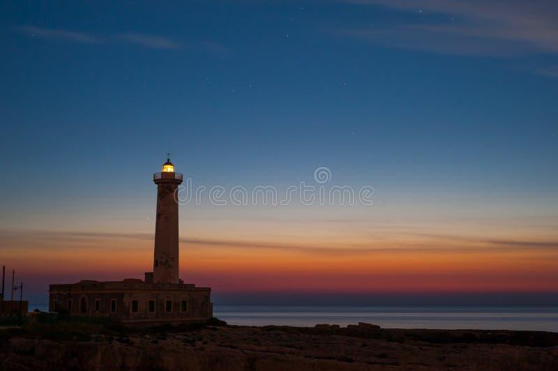 Download Faro all'alba… immagine stock. Immagine di stella, pace - 55352163