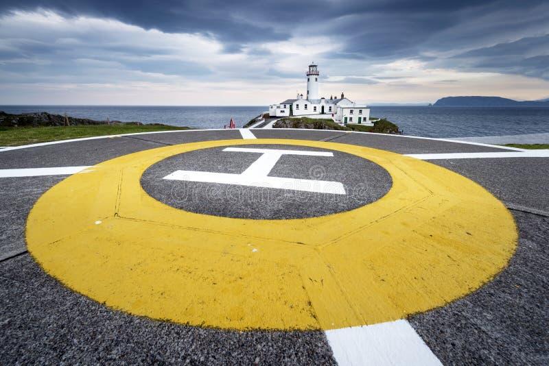 Faro alla testa di Fanad, costa del nord del Donegal, Irlanda immagini stock