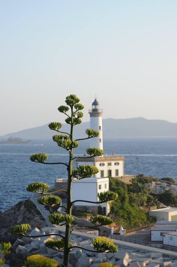 Faro blanco Es Botafoc en Ibiza Balearic Island Soain foto de archivo libre de regalías
