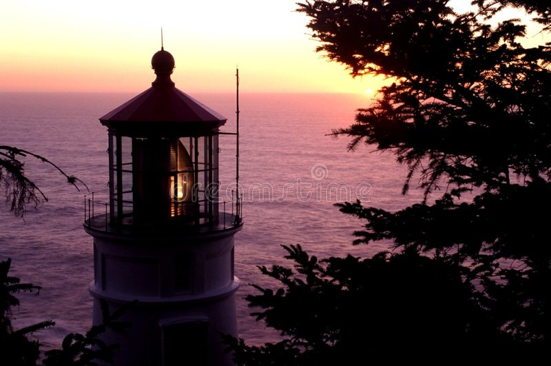 Download Faro capo di Heceta fotografia stock. Immagine di nearsighted - 206580