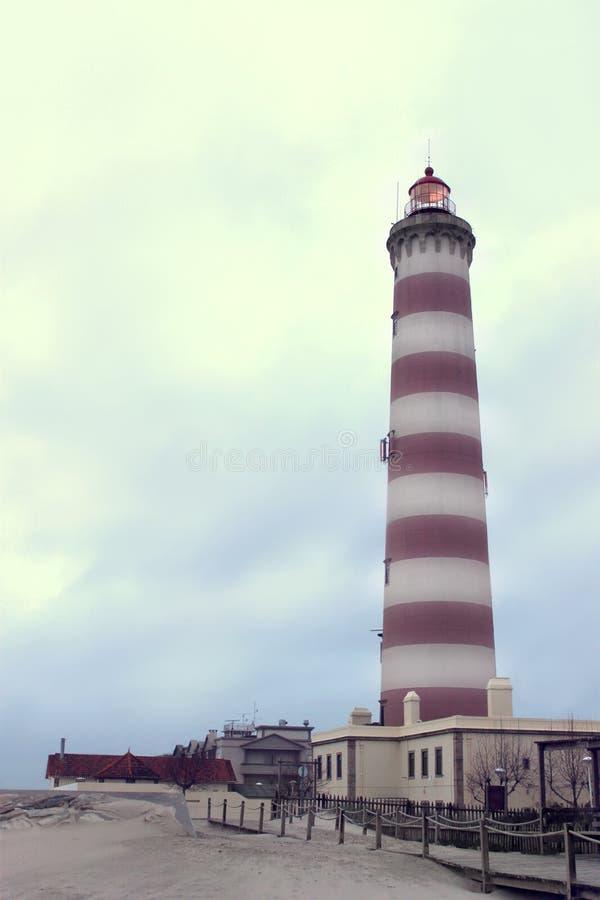 Faro de Aveiro en el Praia DA Barra imagen de archivo