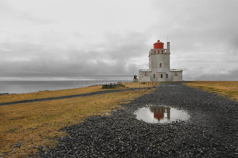 Faro de Dyrholaey, Islandia fotos de archivo