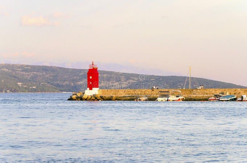 Faro de la ciudad de Krk, Croacia fotos de archivo