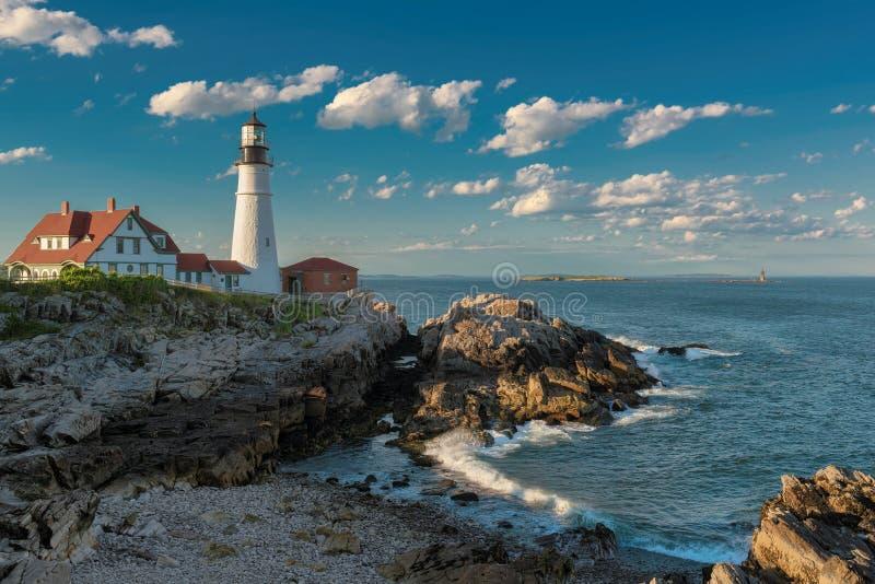 Faro de Portland en la puesta del sol en Nueva Inglaterra, Maine fotos de archivo libres de regalías